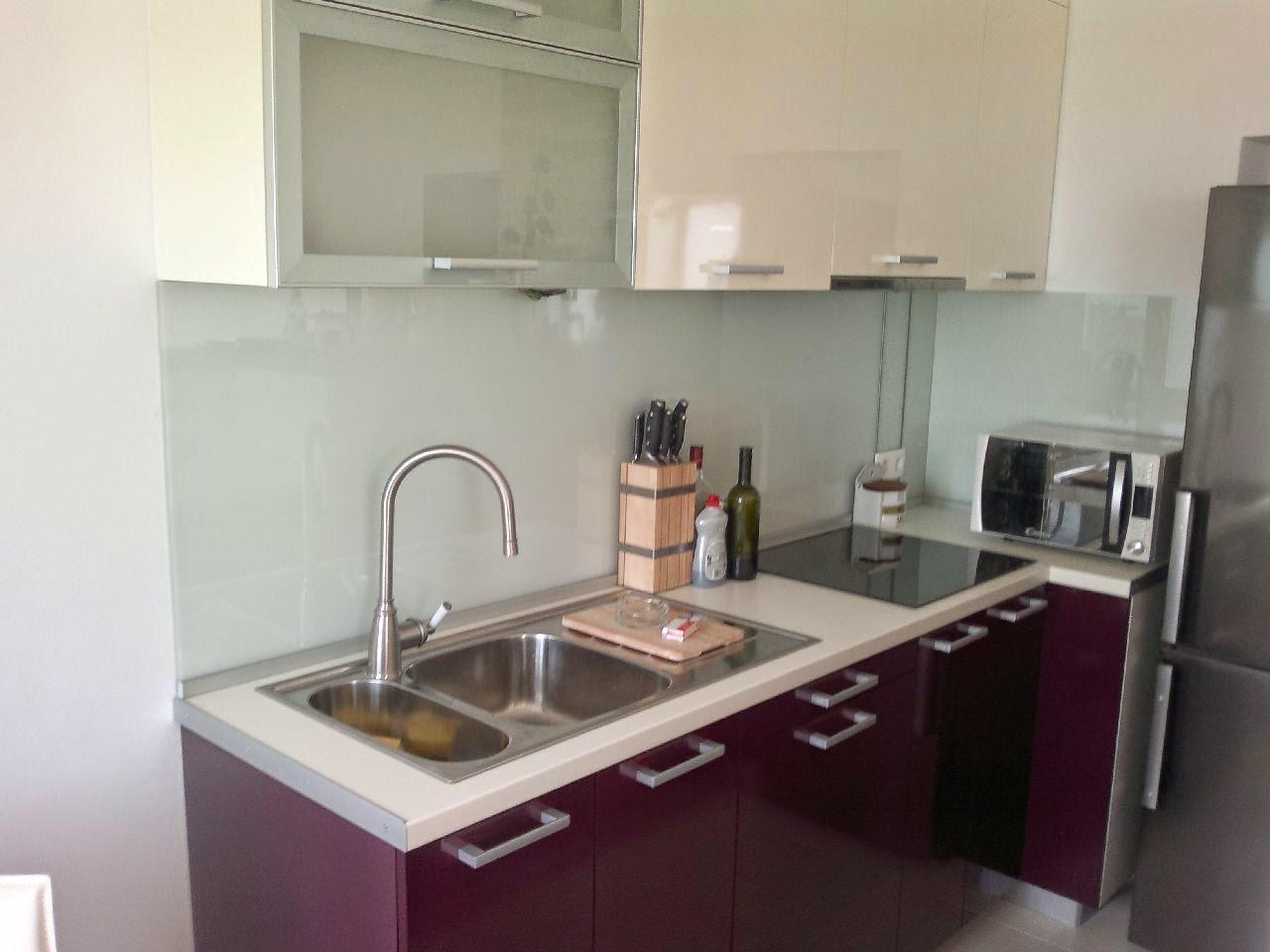 Aubergine MiN kitchen